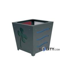 Blumenkübel aus lackiertem Stahl als Stadtmobiliar h35018