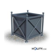 Quadratischer Blumenkübel als Stadtmobiliar h287_175